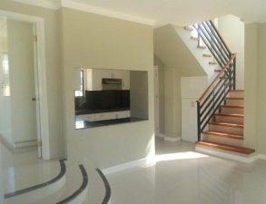 Beautiful High-end La Vista Monte Subdivision Houses